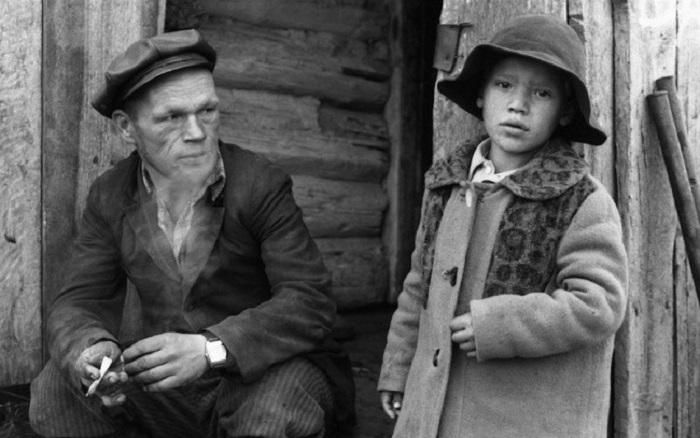 Местные жители. СССР, Мариинский район, Село Белогородка, 15 сентября 1979 год.    5. Ку
