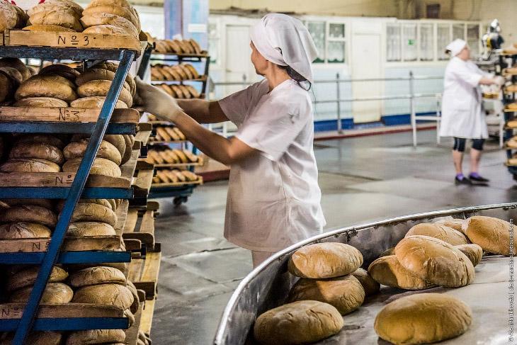 Как пекут хлеб и почему нельзя есть его горячим (14 фото)