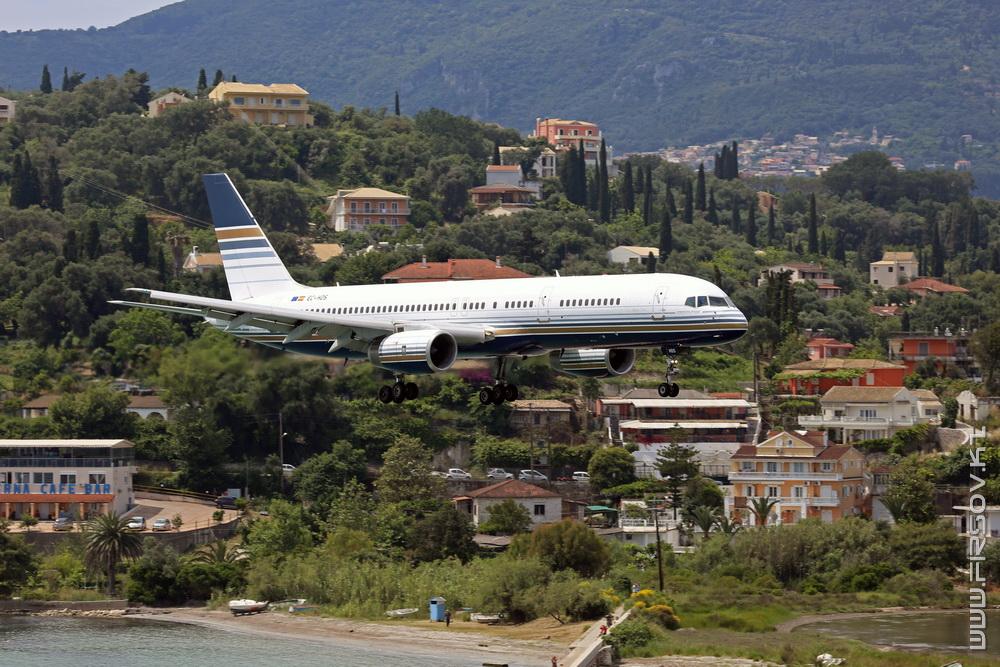 B-757_EC-HDS_Privilege_Style_1a_CFU_resize.jpg