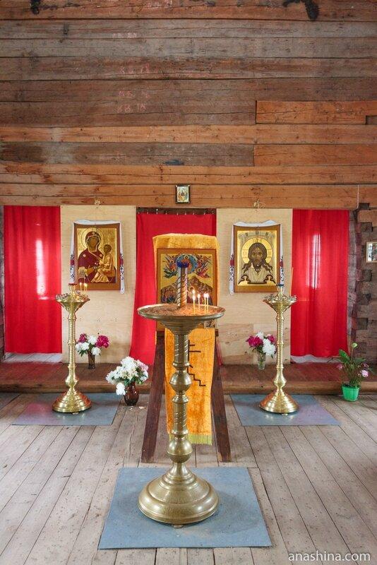 Внутреннее убранство Тихвинского храма, Торжок