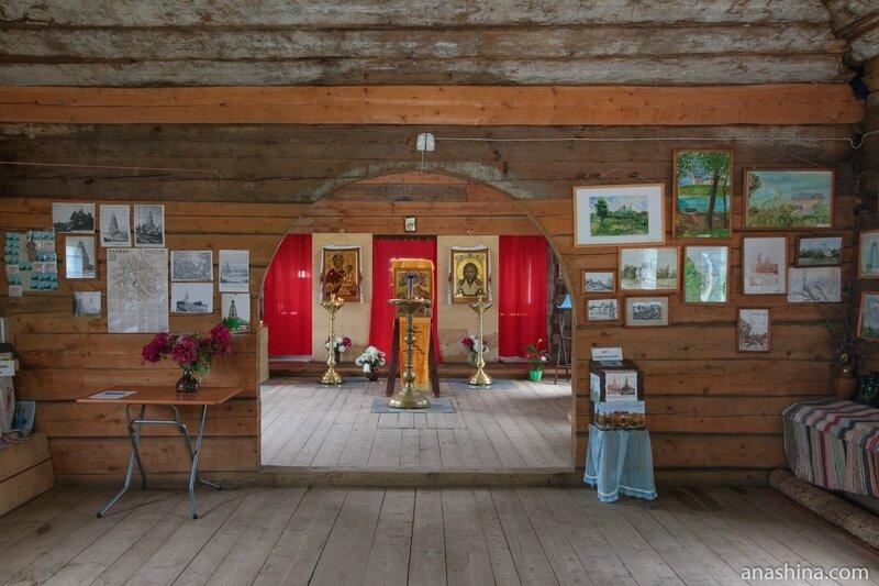 Внутреннее убранство Старо-Вознесенской (Тихвинской) церкви в Торжке