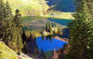 небо в озеро упало