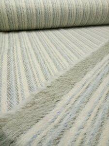 Пальтовая ткань 59-817 , 2600 р/м. с ворсом с двух сторон, пластичная, приятная на ощупь, ворс очень мягкий благодаря содержанию ангоры и кашемир, полосы расположены вдоль кромки. Состав : 60 % шерсть , 20 % кашемир , 20 % ангора Ширина 160 см