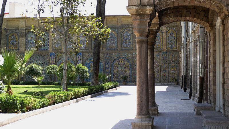 fs1600x1200px-Golestan_Palace_4.jpg