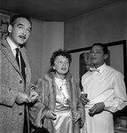 Édith Piaf, Eddie Barclay et Henri Salvador. 1958 à Paris, Théâtre de l' Alhambra, 1958