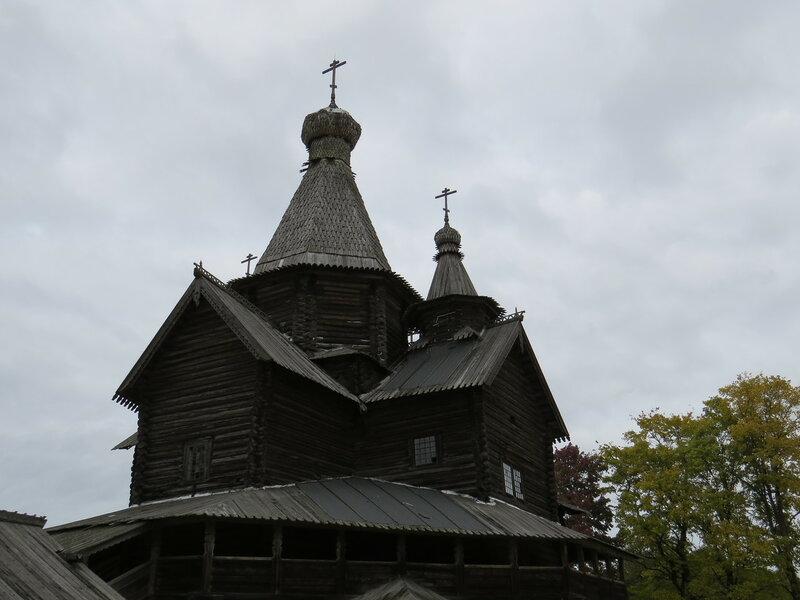 Церковь в музее Витославлицы в Великом Новгороде