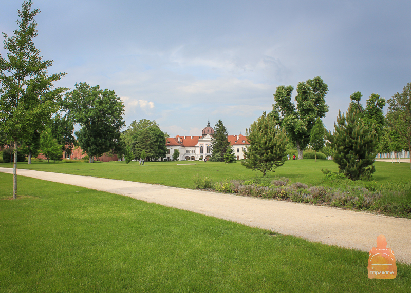 Восстановление дворца в Геделле началось в 90-е годы прошлого столетия
