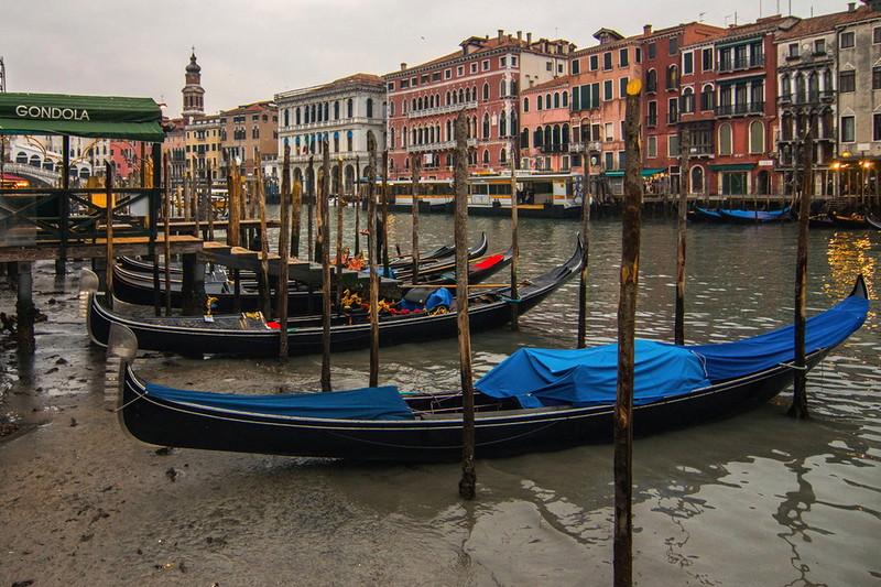 0 180acd ebf335a9 orig - Глубина каналов в Венеции