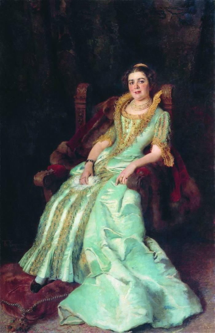 Женщина либеральных взглядов и необычной судьбы. Она была дочерью текстильного фабрикантаАлексея Хл