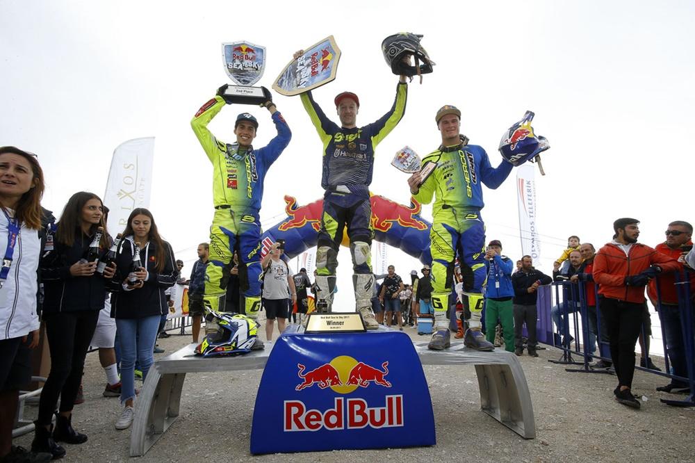 Грэм Джарвис выиграл горную гонку Red Bull Sea to Sky 2017