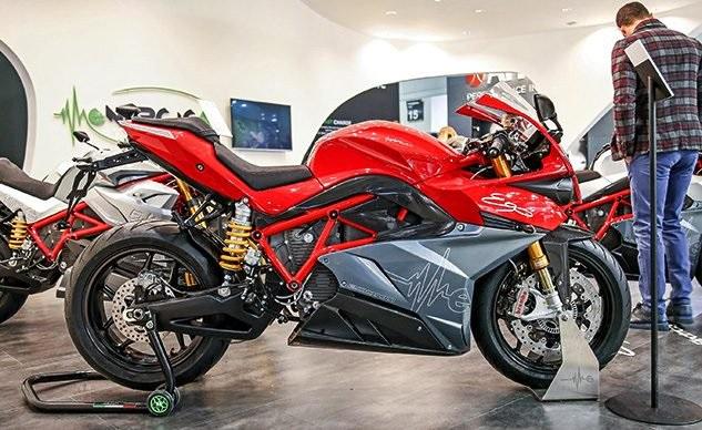 Energica - поставщик электроциклов в чемпионат FIM Moto-e World Cup 2019