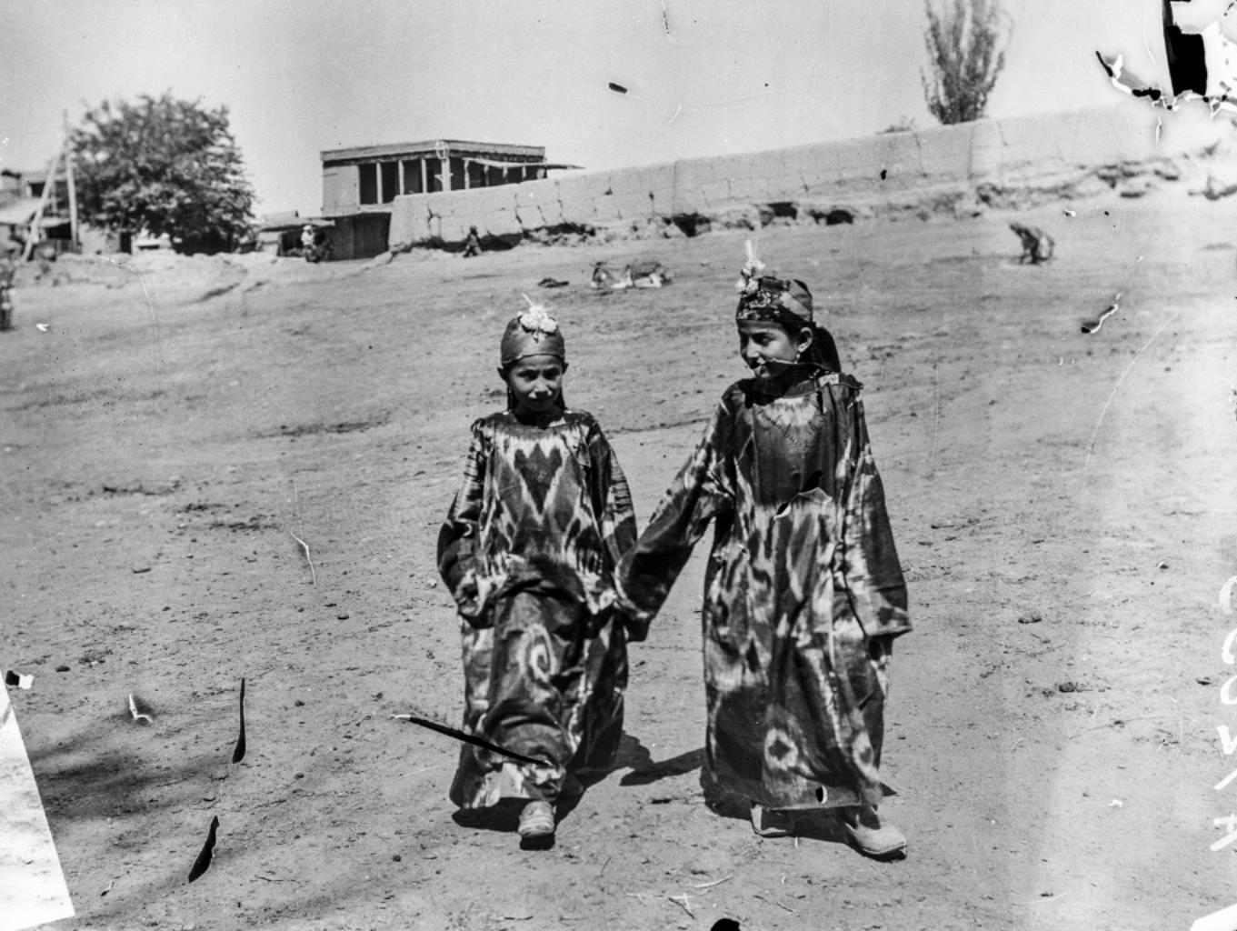 Окрестности Самарканда. Еврейские девочки