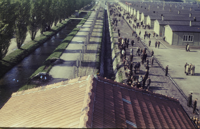 Color-Photographs-of-Life-in-The-First-Nazi-Concentration-Camp-1933-9.jpg