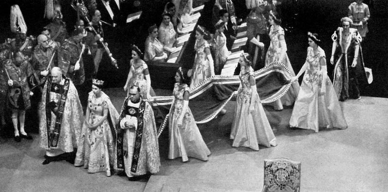 Queen Elizabeth - Westminster Abbey - London 1953.png