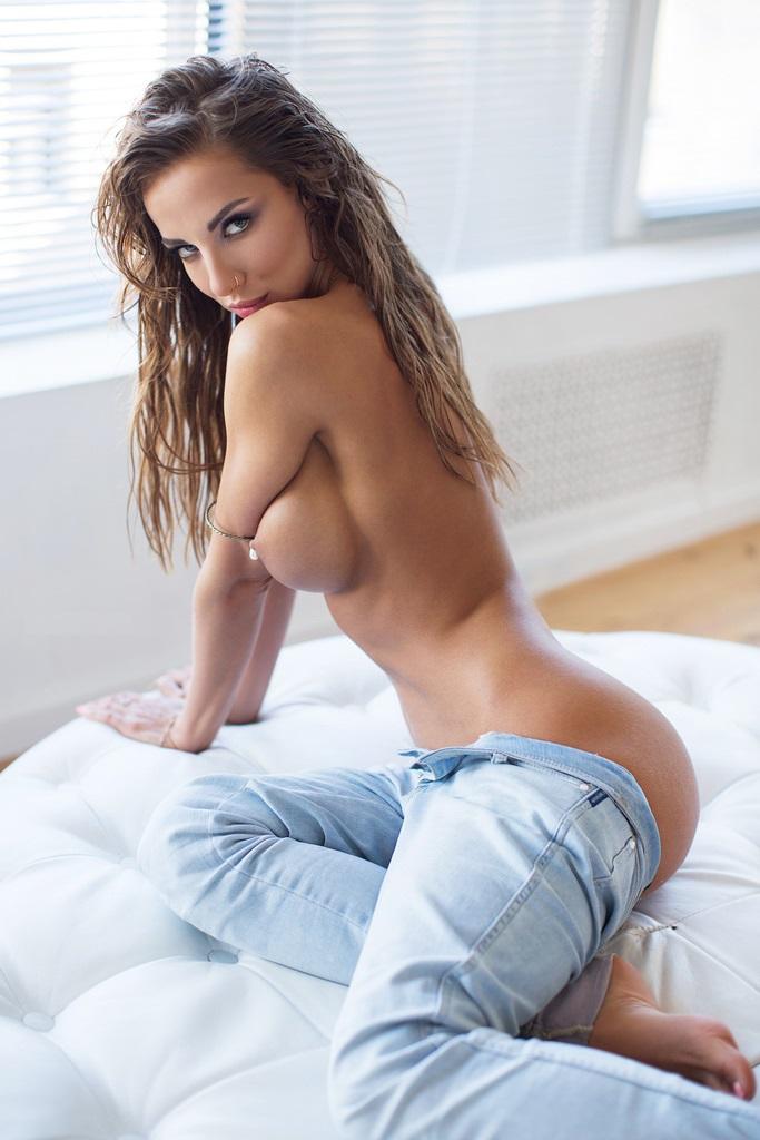 Katerina Rubinovich by Dominic Clarke