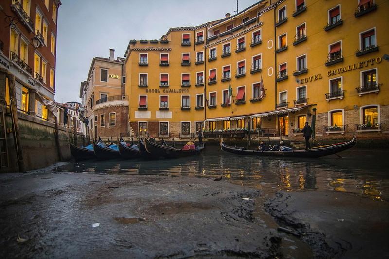 0 180ad2 21afbd21 orig - Глубина каналов в Венеции