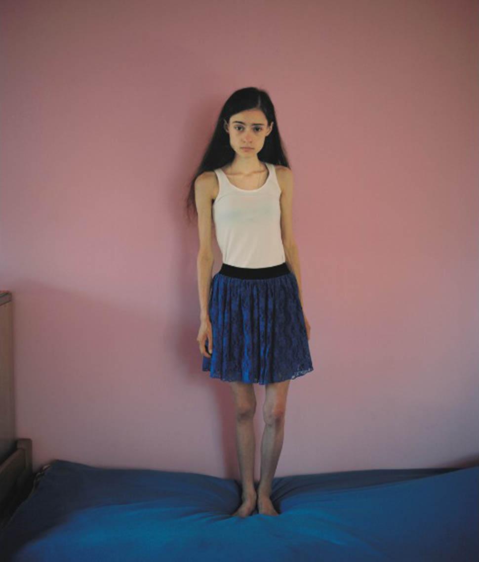 Аня живет в центре в одной комнате с двумя другими девушками. «Я в самом деле понятия не имела о том