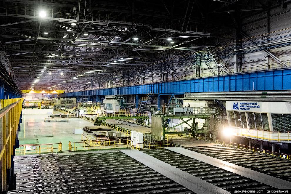 57. Готовые листы стального проката поставляют машино- , судо- , мостостоительным компаниям, а также