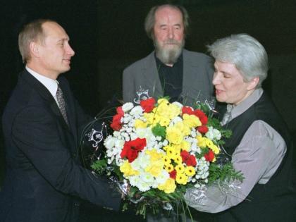 25.10.2016 16:51 Наталья Солженицына: Комсомольцы были посмелее…