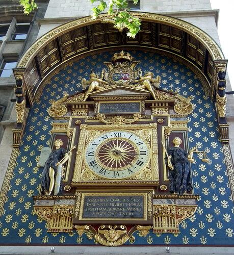 самые старые часы в Париже