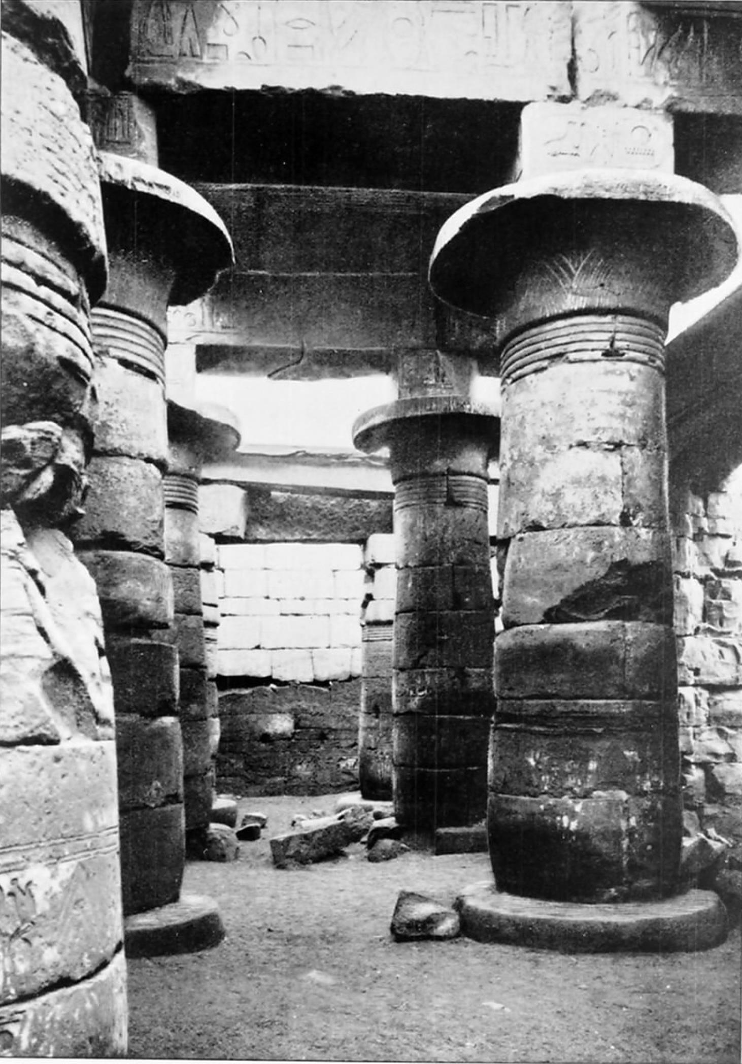 Карнак. Первый колонный зал Рамсеса III