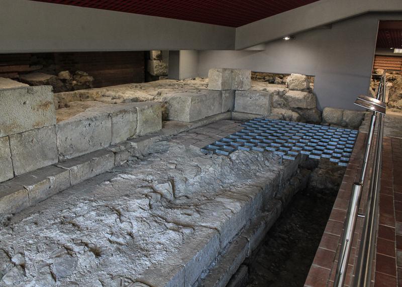 Раскопки в Секешфехерваре велись на протяжении многих десятилетий