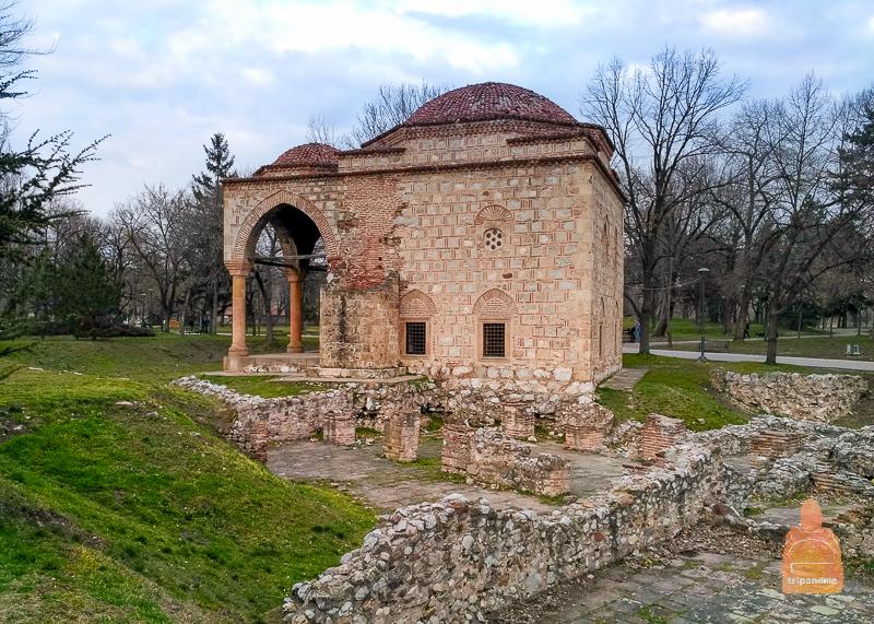 Здание мечети очень древнее, но не плохо сохранилось до наших дней