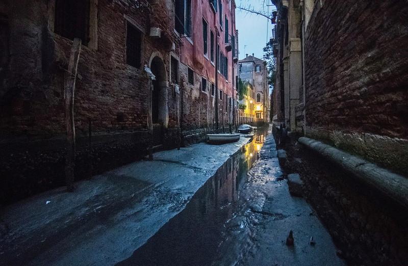 0 180ad1 d932c738 orig - Глубина каналов в Венеции