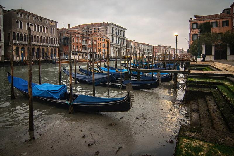 0 180ad3 ebb32d24 orig - Глубина каналов в Венеции