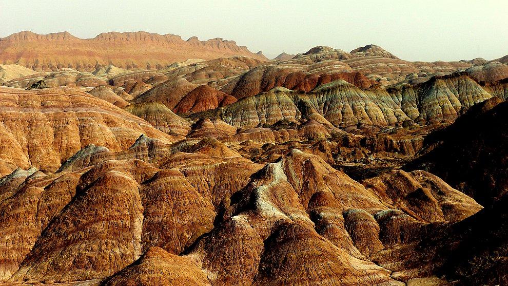 Много веков назад это место было богатейшим в Китае. Через него проходил Великий Шелковый путь. Но,