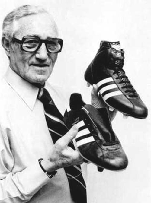 Постоянное соперничество братьев стало причиной того, что кроссовки от обеих компаний стали легендар