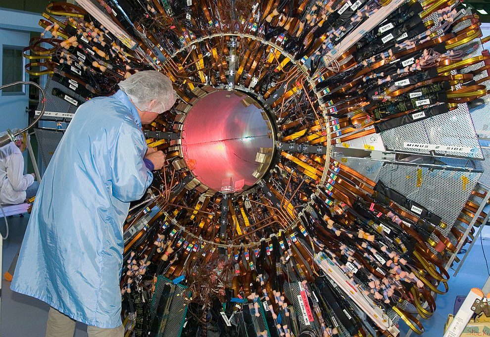 Детектор ATLAS , 22 февраля 2006 года. (Фото Maximilien Brice | © 2012 CERN):
