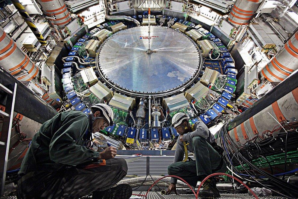 (Фото Claudia Marcelloni/© 2012 CERN):