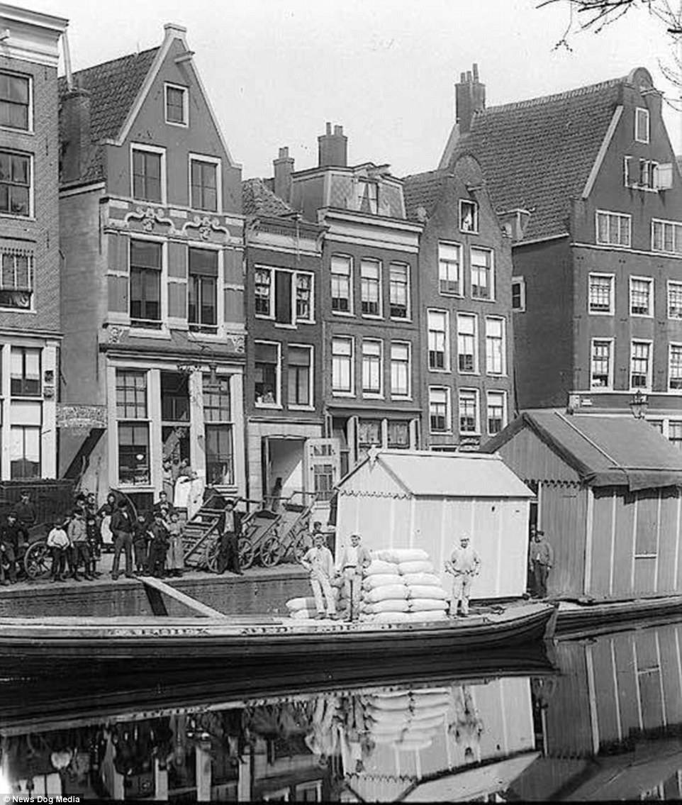 Амстердам квартал проституция секс-туризм