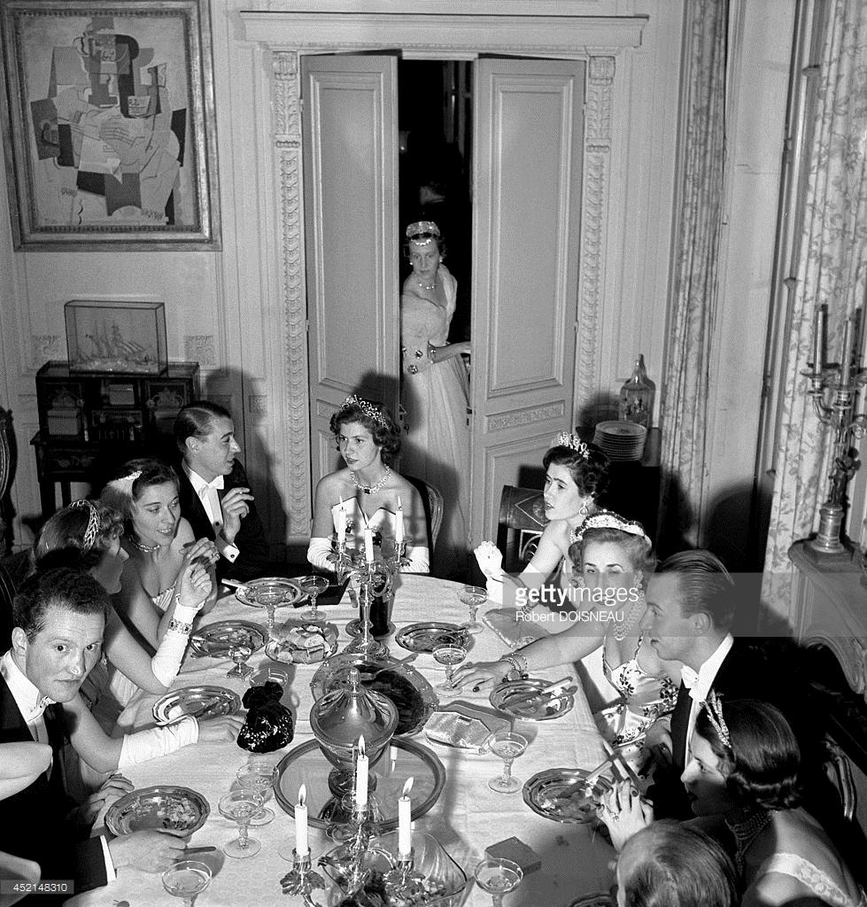 1950. Этьен де Бомон в отеле «Ламберт», Бал 2 июня в Париже