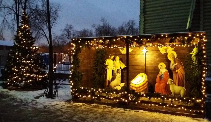 Рождественский вертеп у храма в Сокольниках