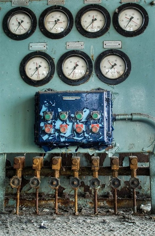 0 181ab5 d32cb5ec orig - Заброшенные заводы ПотрясАющи