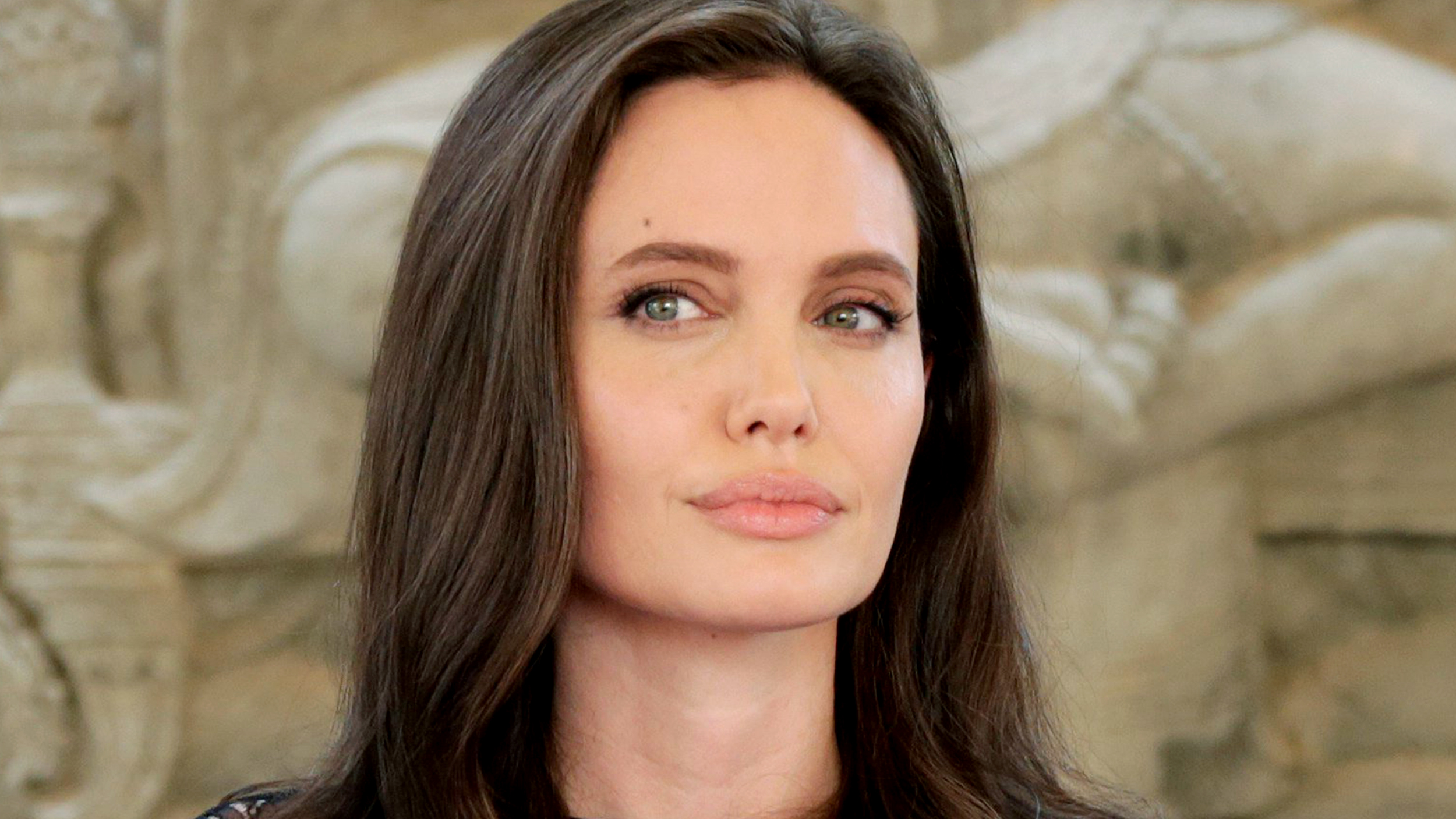 О недопустимом поведении продюсера рассказала и Анджелина Джоли: «У меня был плохой опыт с Харви Вай