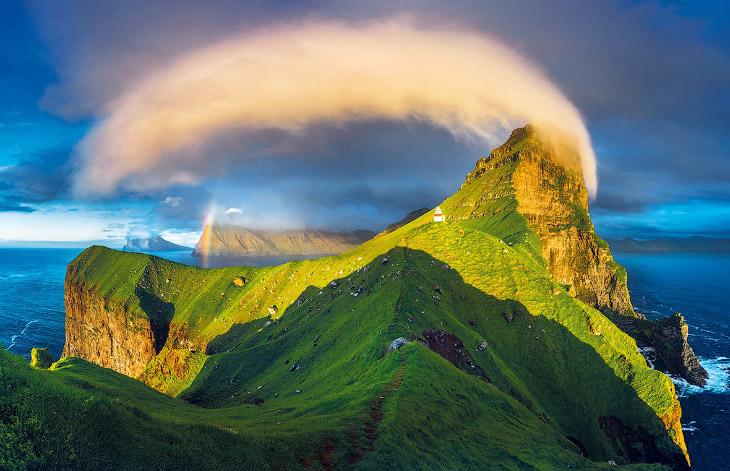 1. Тоурсмёрк — горный хребет в Исландии, названный в честь северного бога Тора. Расположен на юге Ис