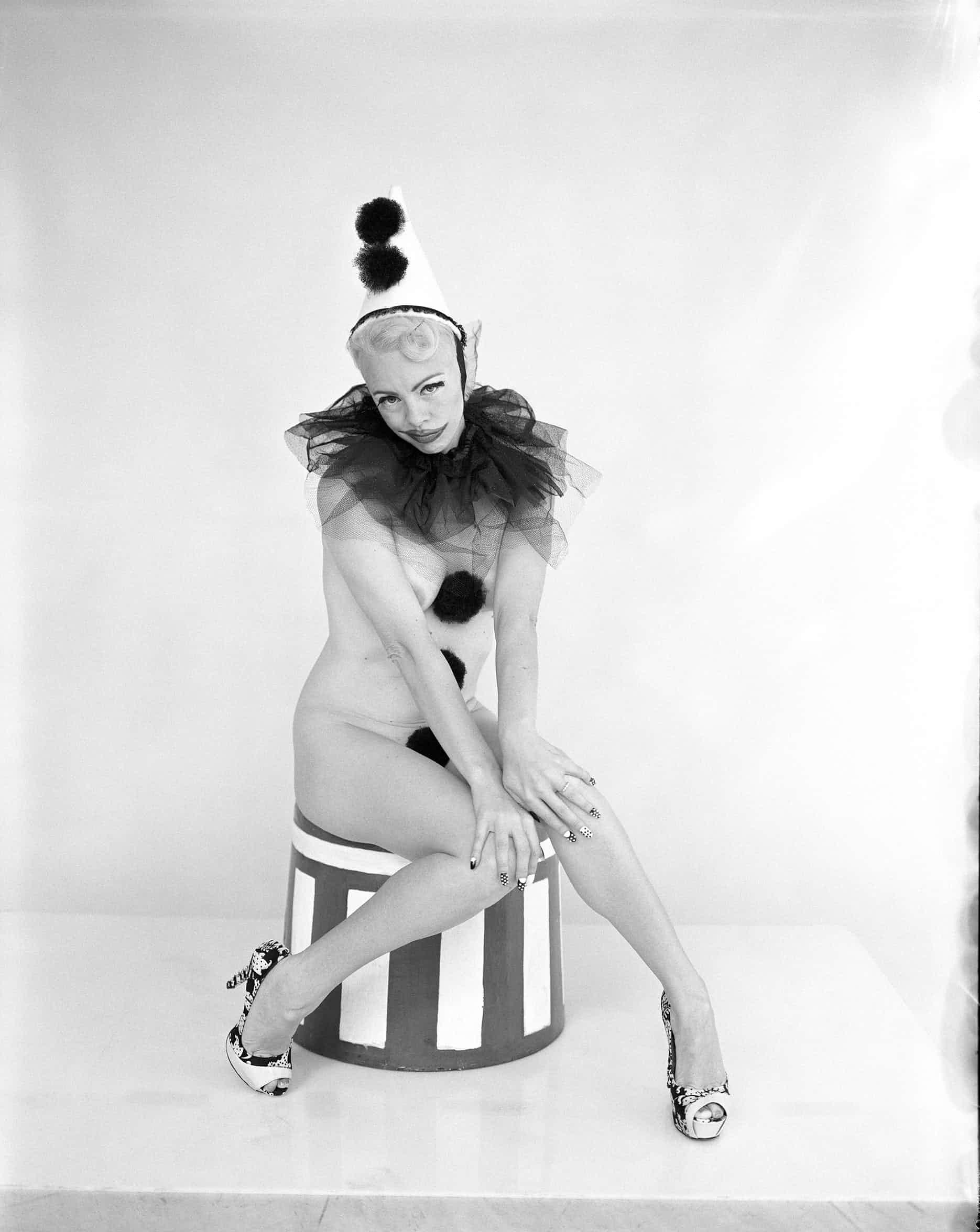 Имоджен    Имоджен Келли — королева австралийского бурлеска, обладательница тит