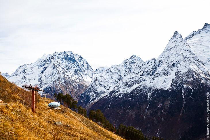 Фотографии Дениса Французова    Начинаем нашу поезду из Кисловодска. На горы опустился туман, п