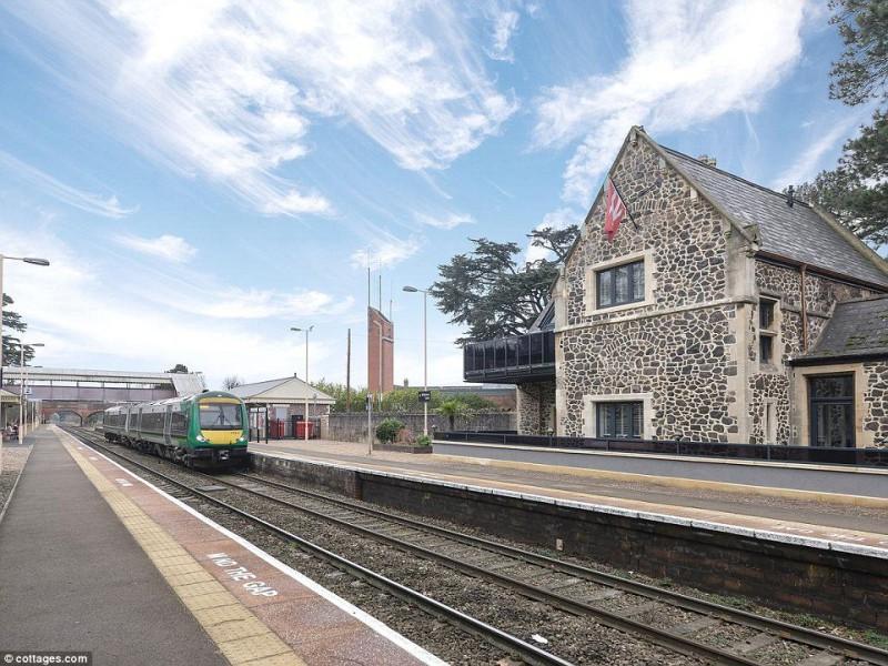 Великобритания железная дорога отель станция