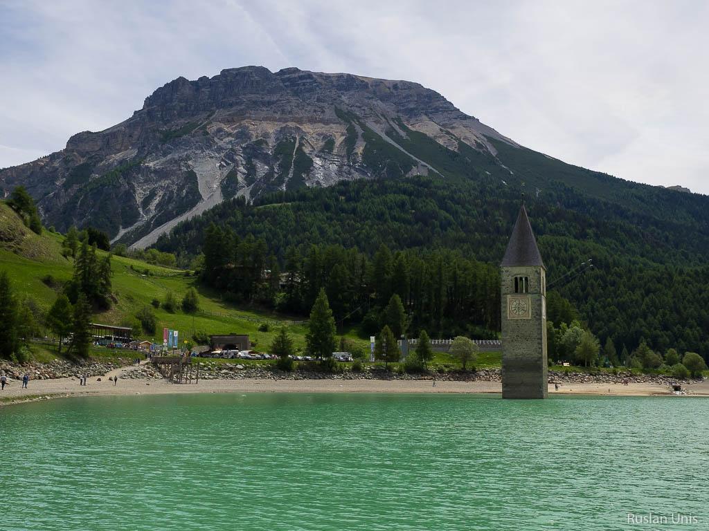Башня из воды