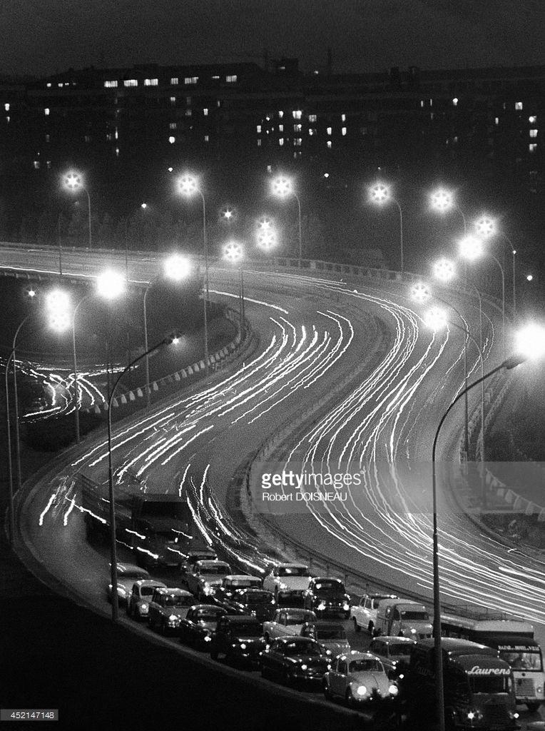 1965. Ночное движение на шоссе, Париж