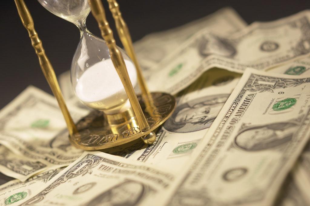 31 октября. Всемирный день экономии. Время и деньги