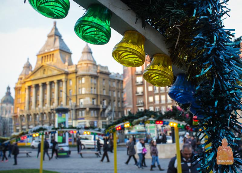 Площадь Деака Ференца и Рождественский Будапешт