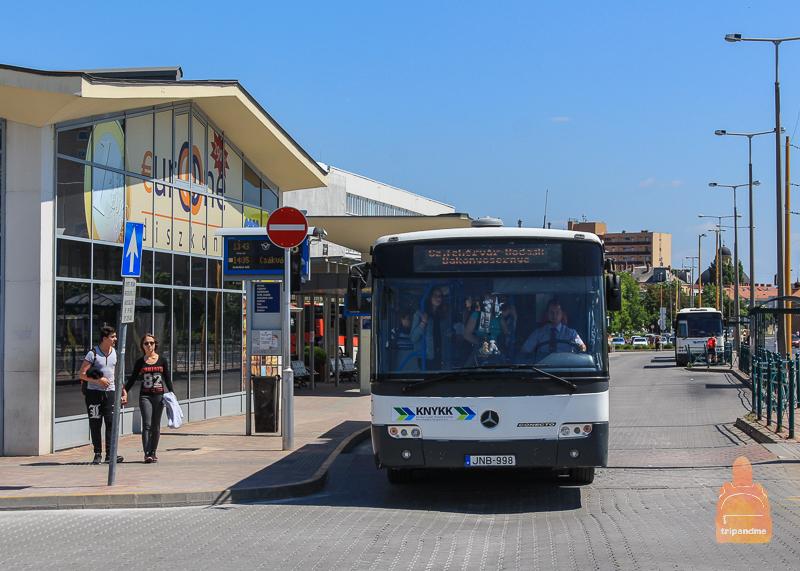 Из Будапешта до Секешфехервара можно добраться на автобусе