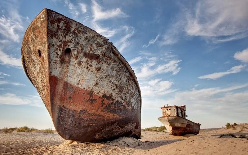 0 182bfe 4e00f5a2 orig - На мели: фото брошенных кораблей