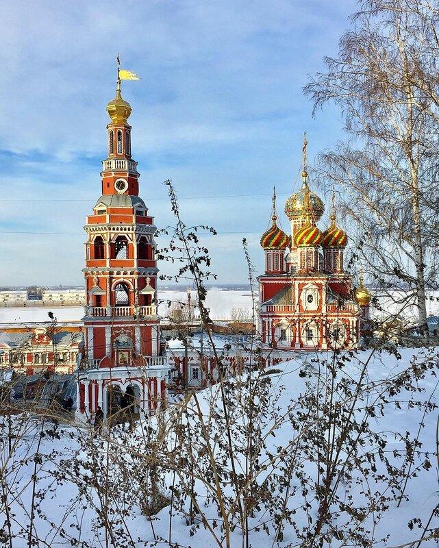 Нижний Новгород и Строгановская церковь (она же церковь Собора Борогодицы, 1696-1719)