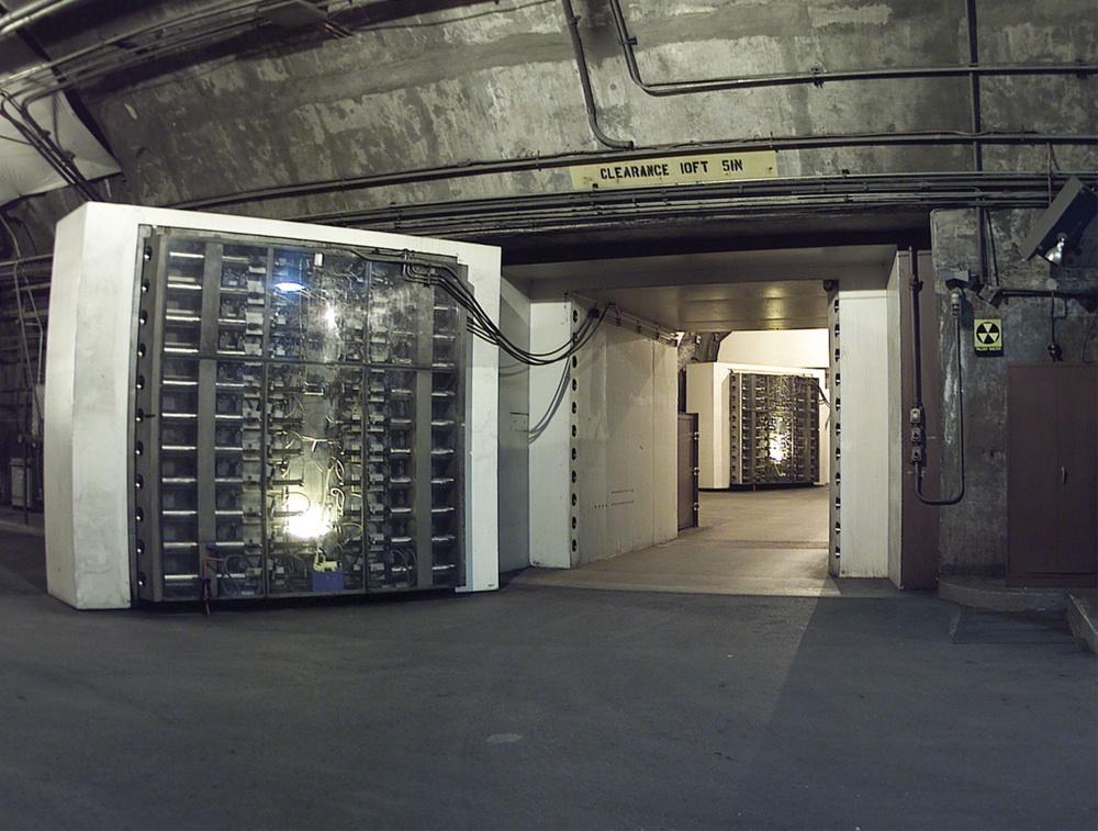 © FAScientists     Дверь, благодаря которой можно выжить при 30-мегатонном ядерном взрыве